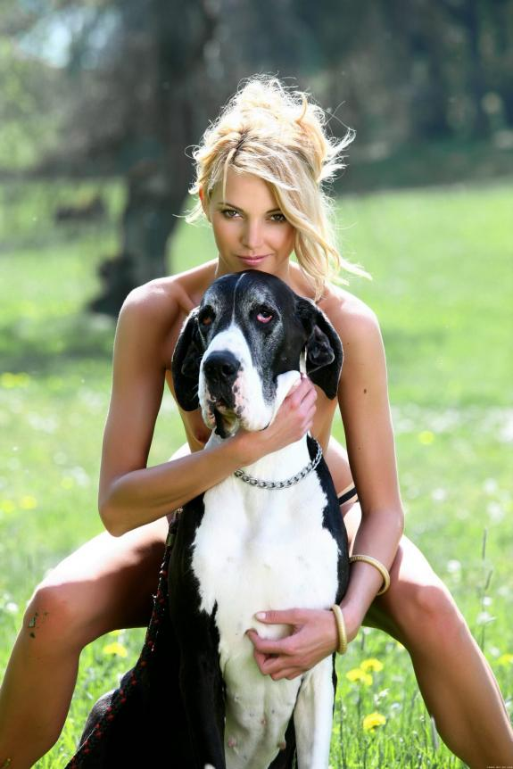 lucky dog :) 4 - Photo 1379 - Beast sex videos